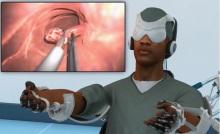 de telechirurg opereert met VR